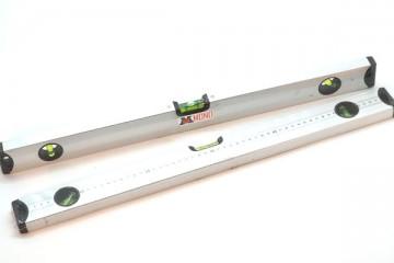 เครื่องวัดระดับน้ำ MONO ขนาดยาว มีไม้บรรทัด วัดได้ 3 แกน